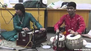 Sahaj bhajan by Rathore brothers after Budda puja - Сахадж баджан после пуджи Будде в Москве