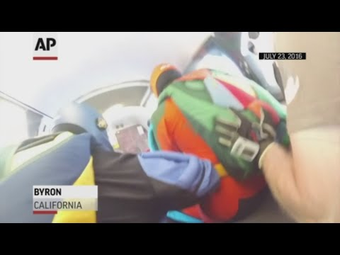 A skydiving plane that crashed Friday in Hawaii, killing 11 people, was involved in a terrifying midair incident three years ago in California. The 2016 sky diving incident was captured on camera by one of the skydivers aboard. (June 24)