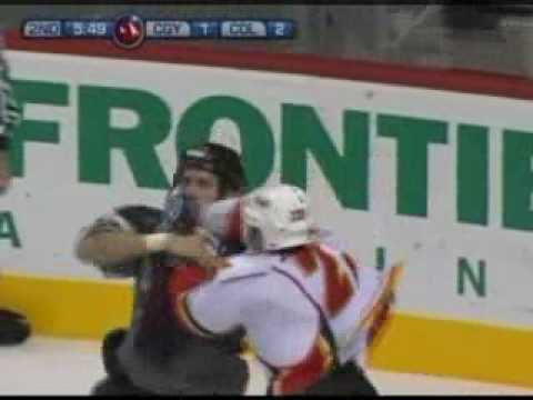 Ian Laperriere vs. Eric Nystrom