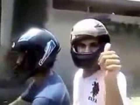 Gái bây giờ chỉ thích trai giàu - Thấy trai đi mô tô khủng là sáp vào ngay - Hãy xem hai anh ấy cưỡi mô tô tán gái như thế nào