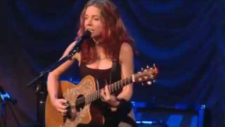 "Ani DiFranco Performs ""Present/Infant"" Live at Babeville"