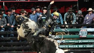 TBT Jess Lockwood rides bull Tom Horn for 8825 points in Round