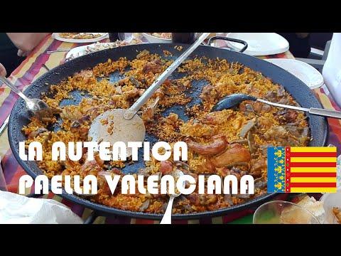 Paella Valenciana. Cocinada de forma tradicional.