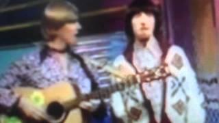 The Singing Corner + Donovan Jennifer Juniper (Too Much Tea)