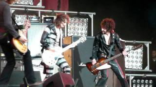 The Darkness - Live at Download 2011: Love on the Rocks with No Ice