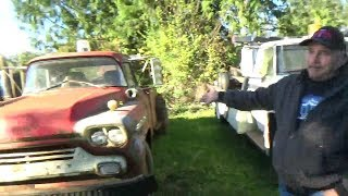 30 Classic Trucks for sale (CTR-165)
