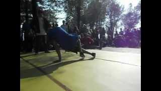 preview picture of video 'Break Come Back - BBoy Massi vs. BBoy Shadow - 1 vs. 1 Breaking'