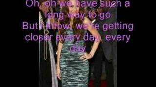 Miley Cyrus-Bigger Than Us(LYRICS!)