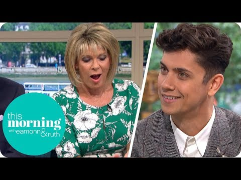 Britain's Got Talent Magician Ben Hart Shocks Ruth With Voodoo Card Trick | This Morning (видео)