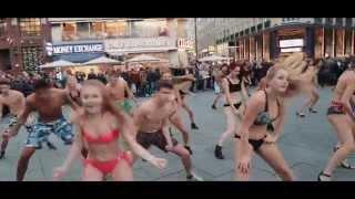 Summer Splash Bikini Flashmob // 11.11.2015 Stephansplatz