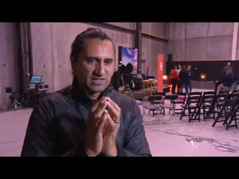 , title : 'Cliff Curtis recognised at Kea World Class New Zealand Awards'