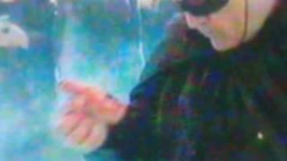Τραβήξτε τα βυζιά σας τώρα. (από patsis, 02/01/12)