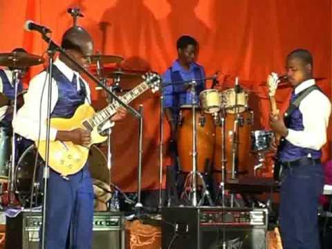 Brothers in love-Athingi iwe yesu