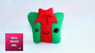 Cheerful Gift Felt Christmas Ornament | #1 Kawaii Christmas DIY.