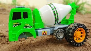 Assembling concrete mixers with helicopters, police cars - Baby toys G576A Bé cá đồ chơi