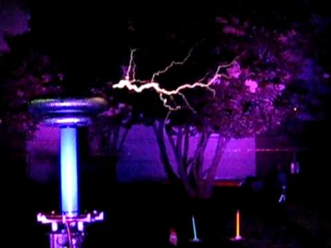 This is a Tesla Coil hat playing the Mortal Kombat music