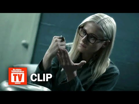 The Magicians S04E01 Clip | 'Death By Roach' | Rotten Tomatoes TV (видео)