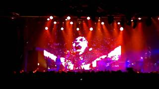Faithless - Muhammad Ali live at Tour & Taxis Brussel 26-03-2011