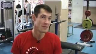 Ростов фитнес project: ростовчанин в инвалидном кресле жмет штангу весом 100 кг