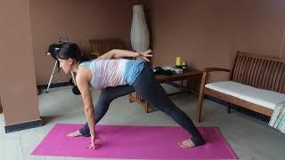 Последовательность йога для начинающих. Собака мордой вниз и паршвоттонасана.