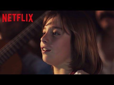Frente a una copa de vino | Luis Miguel la serie | Netflix