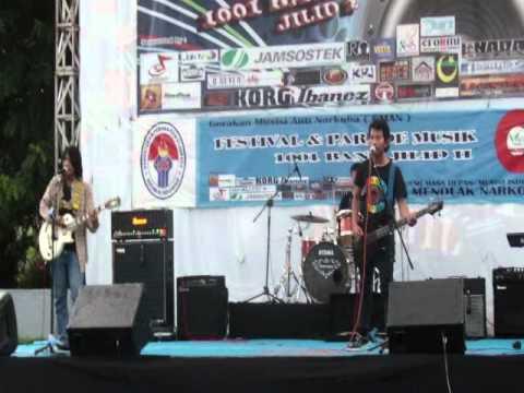 The Hiding   Seberkas Dilema Live in Menpora Senayan