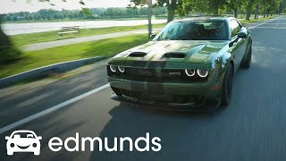 Is the 2019 Dodge Challenger SRT Hellcat Redeye Worth an Extra $10K?