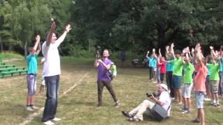 Виталий Кличко проводит танцевальную зарядку