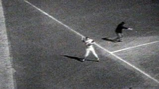 1970 WS Gm 1: Brooks Takes A Hit Away From May
