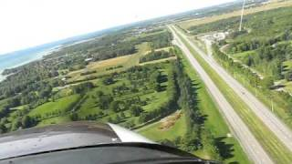 preview picture of video 'Atterrissage à Lancaster Airpark On 6 sept 2010'