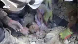 preview picture of video 'حلب | كرم الطحان :: صور لـ انتشال طفل من تحت الأنقاض | retrieving an alive child'