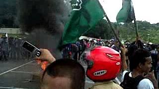 preview picture of video 'aksi demo mahasiswa dan masyarakat, masalah krisis listrik kota tarakan'