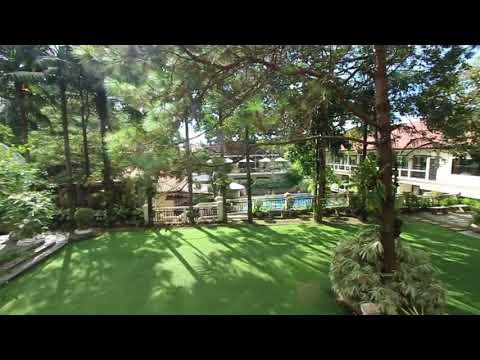 Hillcreek Gardens: The Courtyard