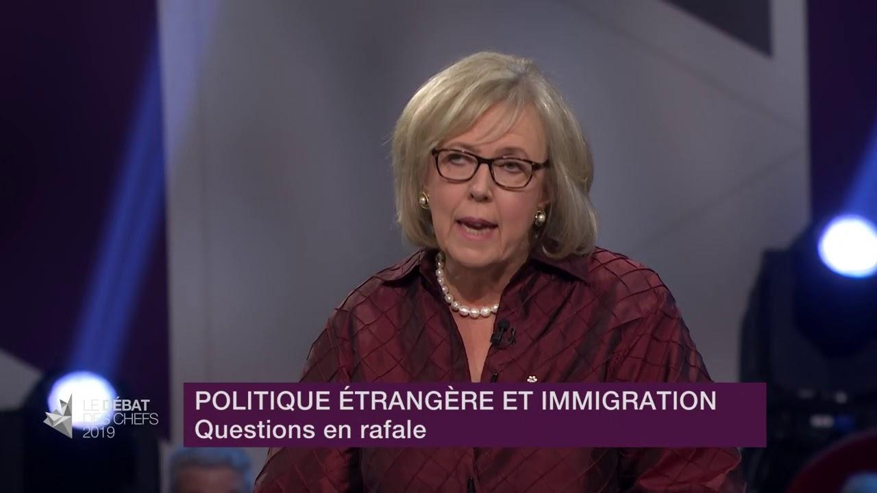 Elizabeth May répond à la question du modérateur sur les changements climatiques