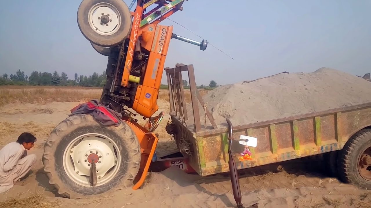 Tractor Accident NH Ghazi 65 hp flown back/ Rescue with