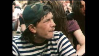 Kadr z teledysku Krótka Piosenka O... (Miłości) tekst piosenki Mafia