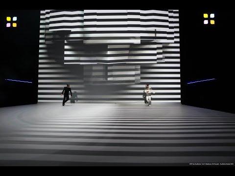 שחור ולבן - מופע ריקוד מתערוכות הצילום בדובאי