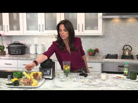 Video Rachel Beller and Ninja® Kitchen - Pure Green Super Juice Recipe using Nutri Ninja® with Auto-iQ™