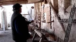 preview picture of video 'Herreria Balderramo  Parte 1/ de 4'
