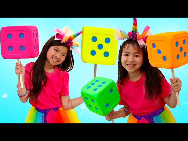 Jannie and Emma Pretend Play Party with Magic Children Clothes Surprise Toys