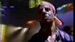 """Titãs - """"Miséria"""" ao vivo no programa Babilônia em 1989"""