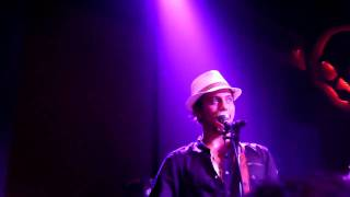 100 Monkeys - Keep Awake (Live) [HD]