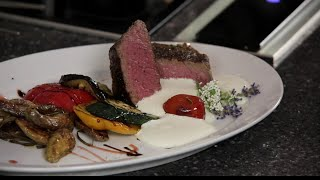 Steak for 2 mit Grillgemüse, Rosmarinkartoffel & Käse Espuma
