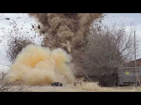 Watch A Barn Get Turned To Toothpicks By 74kg Of Tannerite