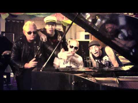 The Fialky - THE FIALKY - Kapitán77 (videoklip 2011)
