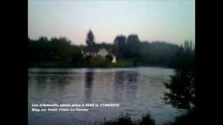 preview picture of video 'Lac d'Arfeuille de Saint Yrieix La Perche à l'aube'