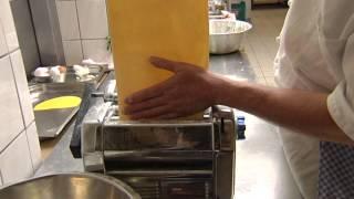 preview picture of video 'Kulinarisch unterwegs..., im Waldhotel Bächlein'