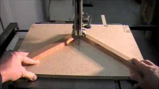 Saw - Woodworking How To Project For Cutting Small Wood Pieces Safely