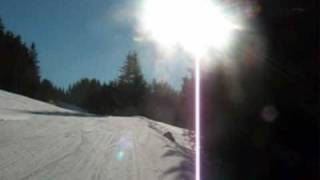 preview picture of video 'Schloss Mittersill: spelen, skiën, vallen, zitten en weer opstaan.'