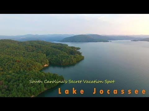 Beautiful Lake Jocassee Parkbench